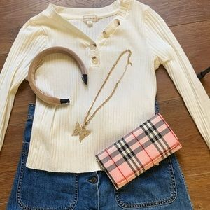 Cute clothing bundle 🤍